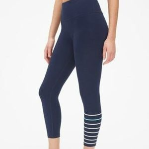 GapFit High Rise Blackout Stripe 7/8 Leggings M